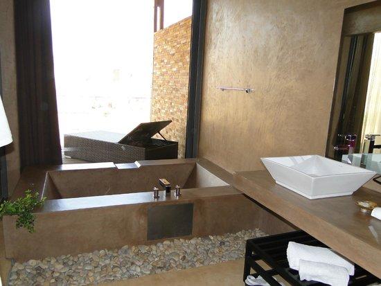 Isalo Rock Lodge : baño