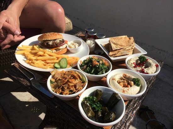 Crowne Plaza Abu Dhabi - Yas Island : Lunch time