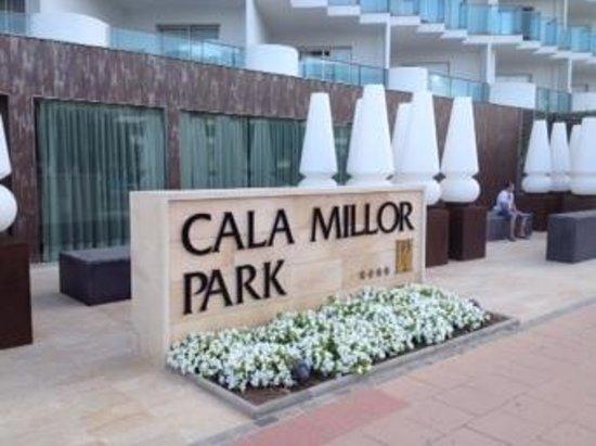 Hipotels Cala Millor Park: back entrance
