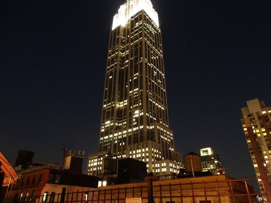 Hotel Metro: Empire State Building view from the rooftop terrace.