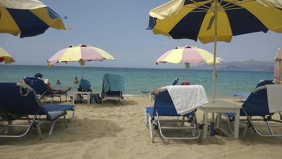 Deep Blue: Right on the beautiful beach!
