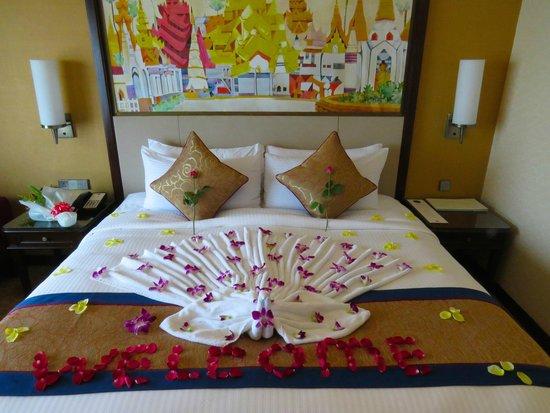 Sule Shangri-La Yangon : Rose peddle Welcome