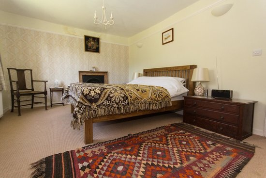 Great Broxhall Farm Bed and Breakfast: Birty's room