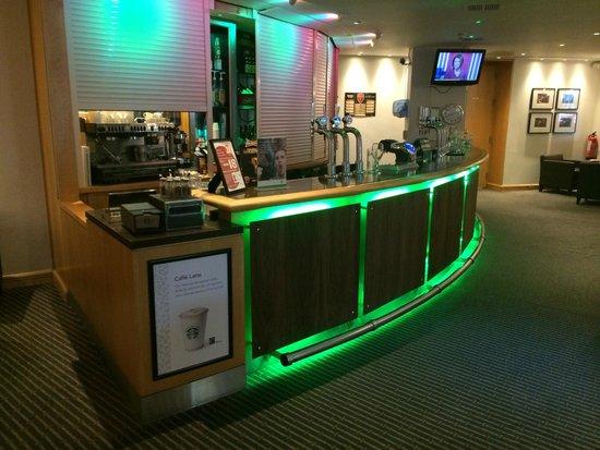 Holiday Inn London - Heathrow Ariel : Bar