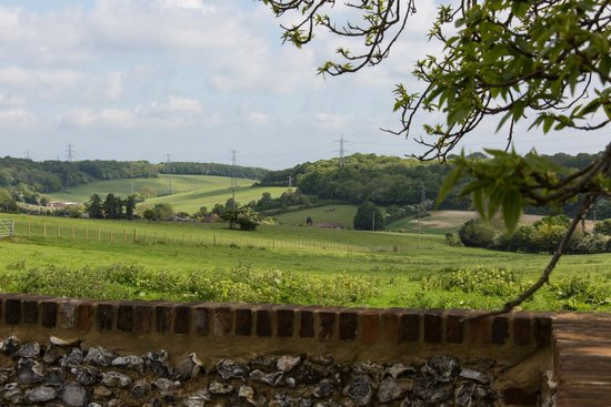 Great Broxhall Farm Bed and Breakfast: Your view of the surrounding countryside