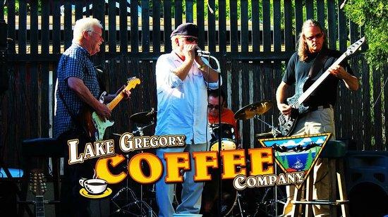 Lake Gregory Coffee House: Havin fun