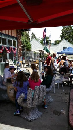 Lake Gregory Coffee House: 4th of July celebration