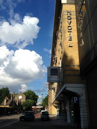 Novotel London Waterloo: Fachada do hotel