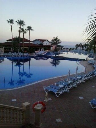 Sunlight Bahia Principe Costa Adeje : piscina