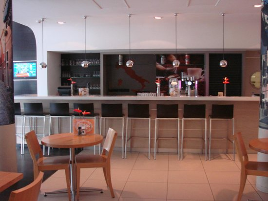 Ibis Amsterdam Centre Stopera : the bar