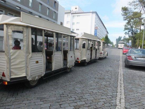 Tres Pastorinhos Hotel: Prenino per visita turistica dintorni