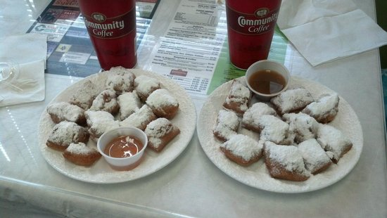 David's Sno-Balls : MINI beignets with different dipping sauces...Yum.