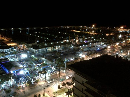 Florida Spa : View from the poolside at night over marina.