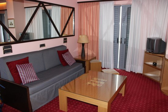 Centrotel Hotel: Petit salon