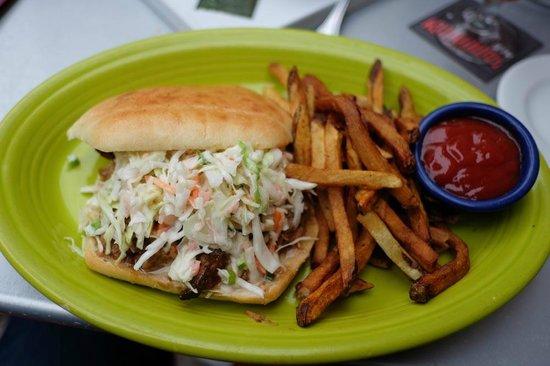 Hula's Island Grill : LUAU PORK SANDWICH
