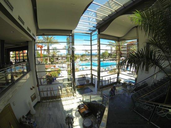 Hotel Elba Carlota: Hotel lobby