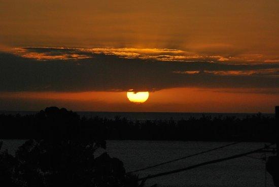 Marisa Residences : Sunset from terrace