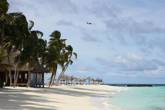 Veligandu Island Resort & Spa : Thundi Bar and the sandbank