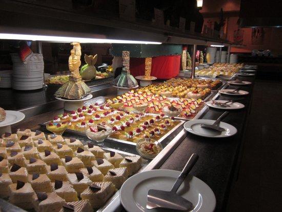 Barcelo Maya Palace: Dessert Buffet