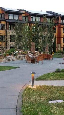 Allison Inn & Spa: Hotel & grounds
