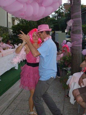 Hotel Adelphi: iniziano le danze