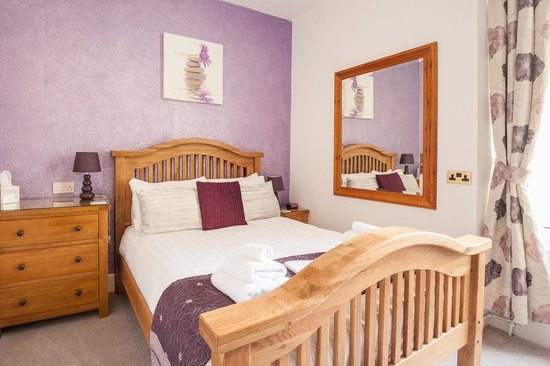 Glascoed Guest House: Room 4 Double Ensuite