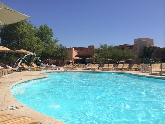 Sheraton Grand at Wild Horse Pass: Pool time