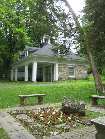 Columbus Chapel and Boal Mansion Museum: The Carriage House
