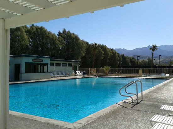 Furnace Creek Inn and Ranch Resort: The pool.