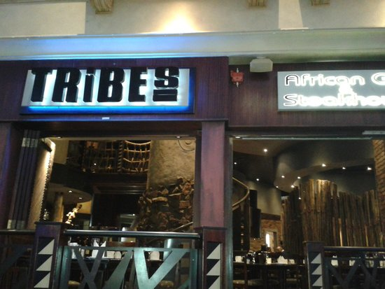 Tribes African Grill & Steakhouse: Entrada do restaurante