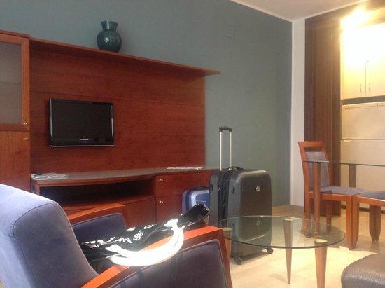 Aparthotel Napols : Espacios muy comodos