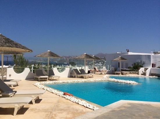 Ilio Maris Hotel : poolside