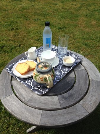 The Old Parsonage: Welcome tea and cakes