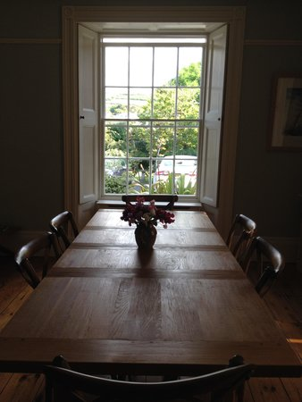 The Old Parsonage: The lovely breakfast room