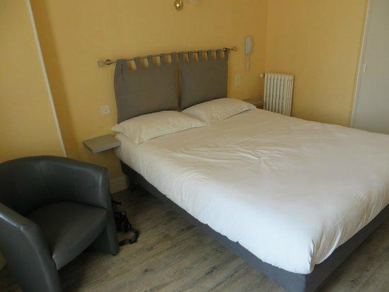 Hotel Eden : Bed