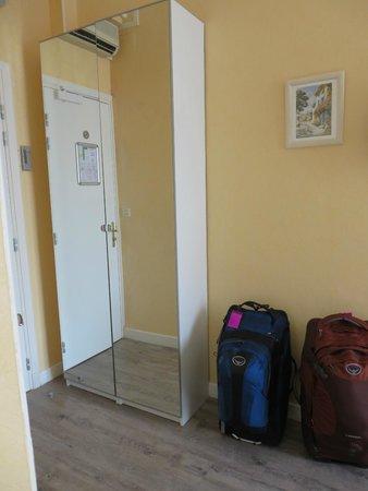 Hotel Eden : Entryway