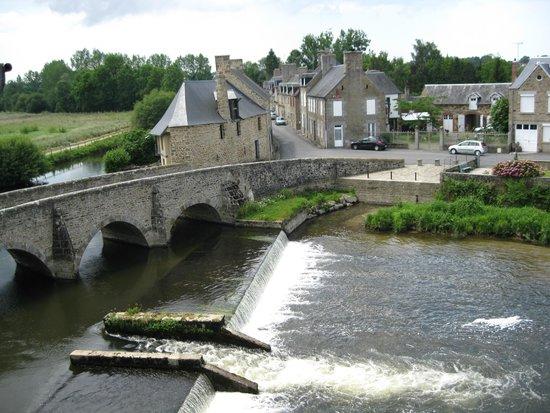 Best Western Le Moulin De Ducey : Vue de la chambre