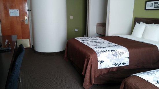Sleep Inn: two bed room