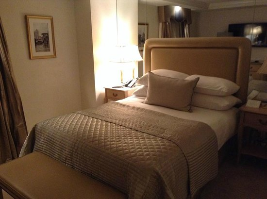 The Michelangelo Hotel: The Bed