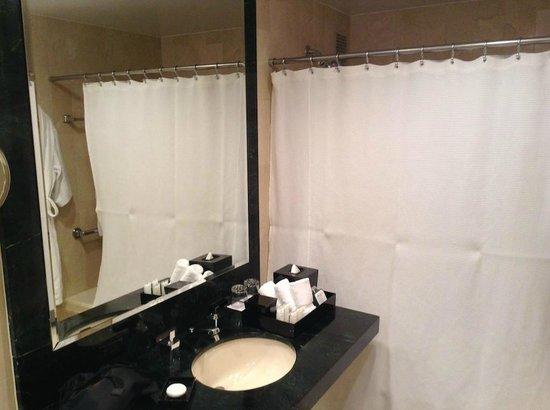 The Michelangelo Hotel : Bathroom