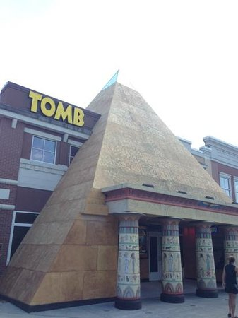 Tomb Egyptian Adventure : The Tomb, Pigeon Forge