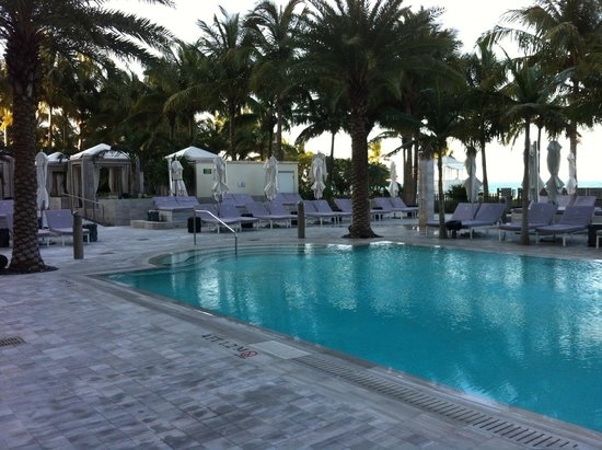 The St. Regis Bal Harbour Resort: pool