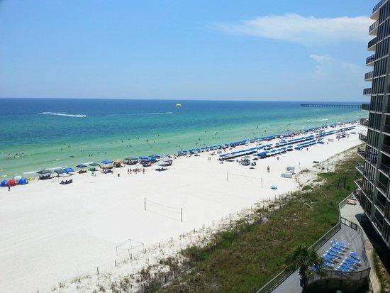 Edgewater Beach and Golf Resort: Great View Of Beach