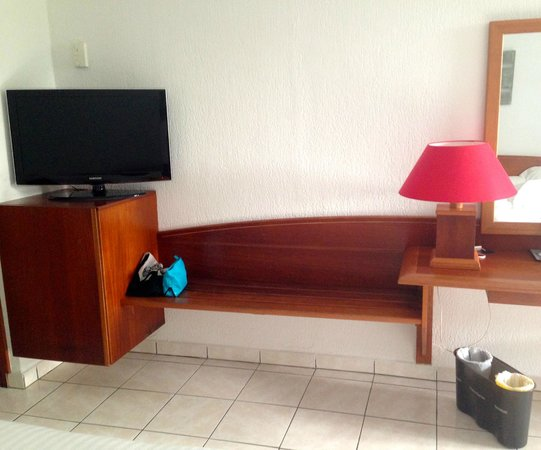 La Creole Beach Hotel: mobilier chambre