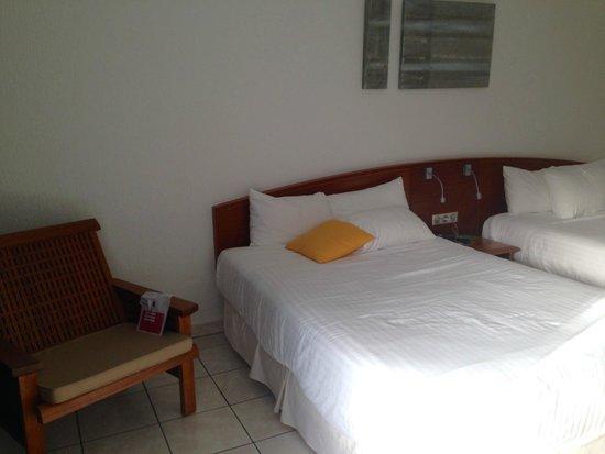La Creole Beach Hotel: chambre