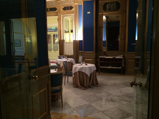 Grand Hotel et Des Palmes : Sembra il titanic