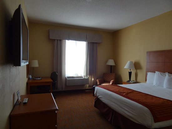 Baymont Inn & Suites Savannah/Garden City: Room Picture