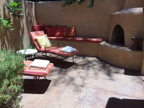 Royal Palms Resort and Spa: Women's private terrace in the spa
