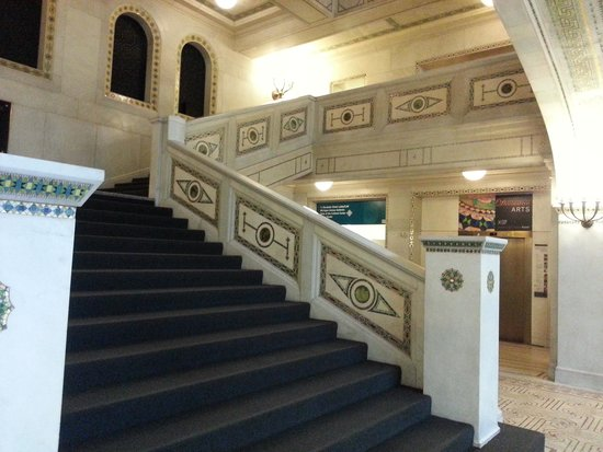 Chicago Cultural Center : Staircase