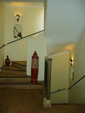 Riad Bamaga Hotel: Stairwell